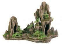 Декорация Trixie Скала с пещерой и растениями 45х22х28см.
